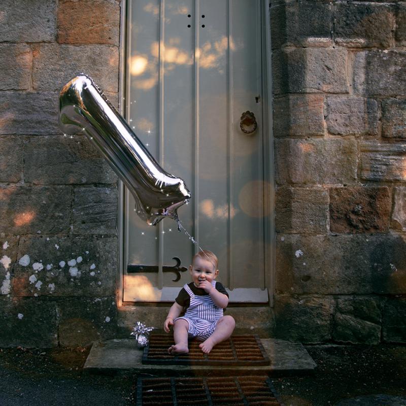 baby birthday photoshoot