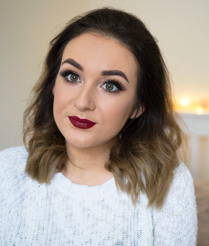 a glowy festive christmas makeup look