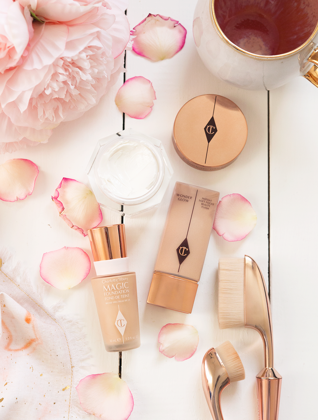 charlotte tilbury flawless base magic foundation magic cream wonderglow review