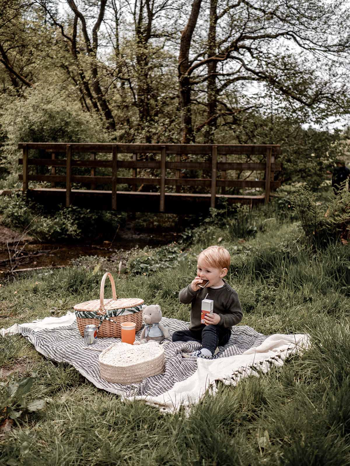 Entertaining Toddlers Outside Summer Toys