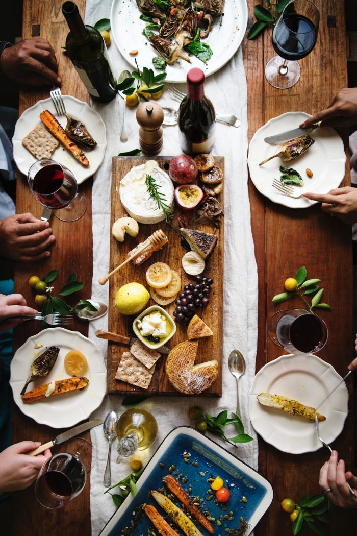 7 Steps To Hosting The Ultimate Dinner Party This Summer.